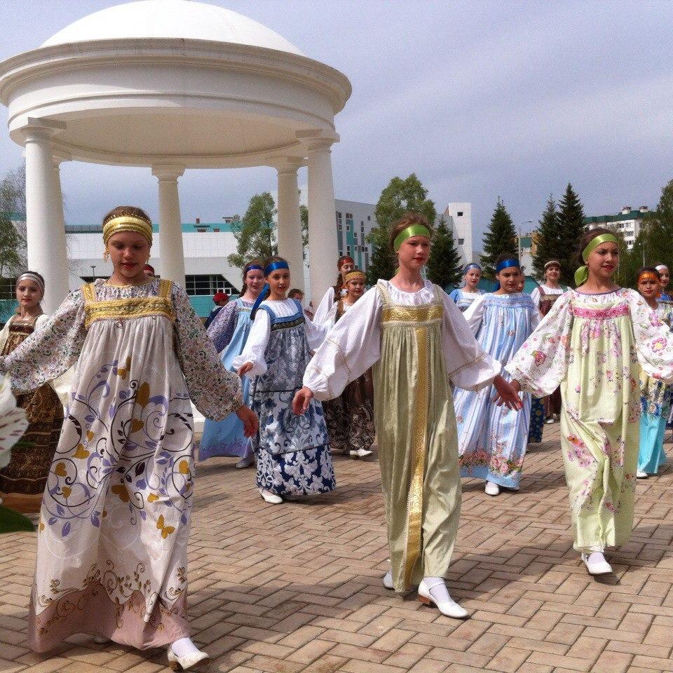 Красавицы Руси.jpg