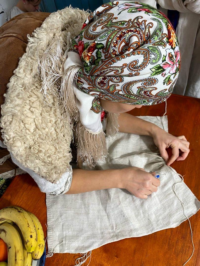 Развитие мастерства по пошиву старинной рубахи в РП Украины (3).jpg