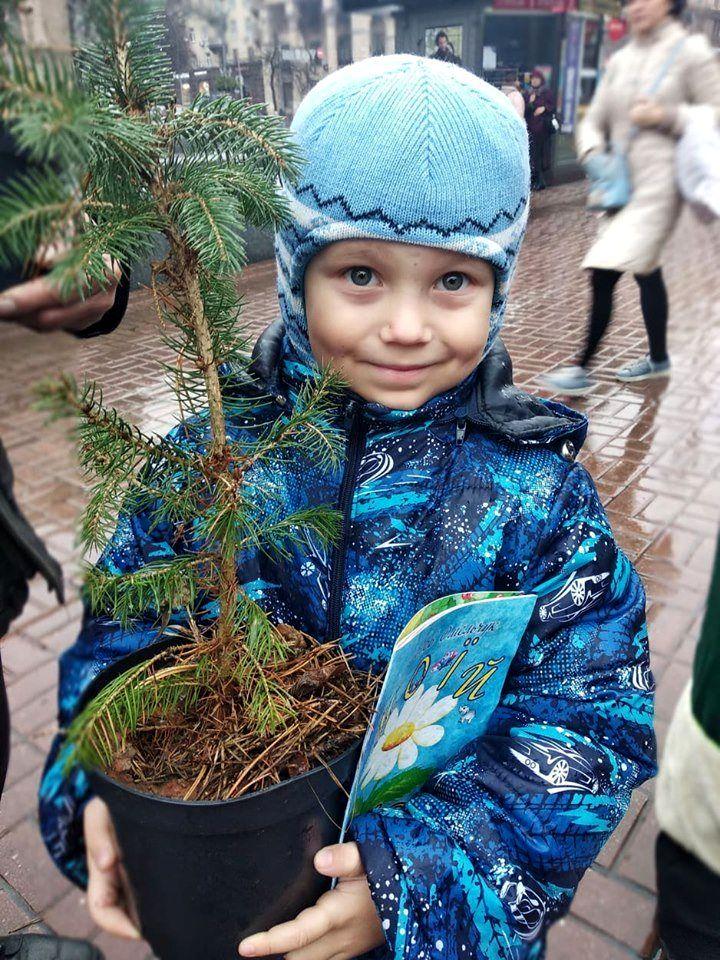 Международный Парад Эко Дедов Морозов Украины (8).jpg