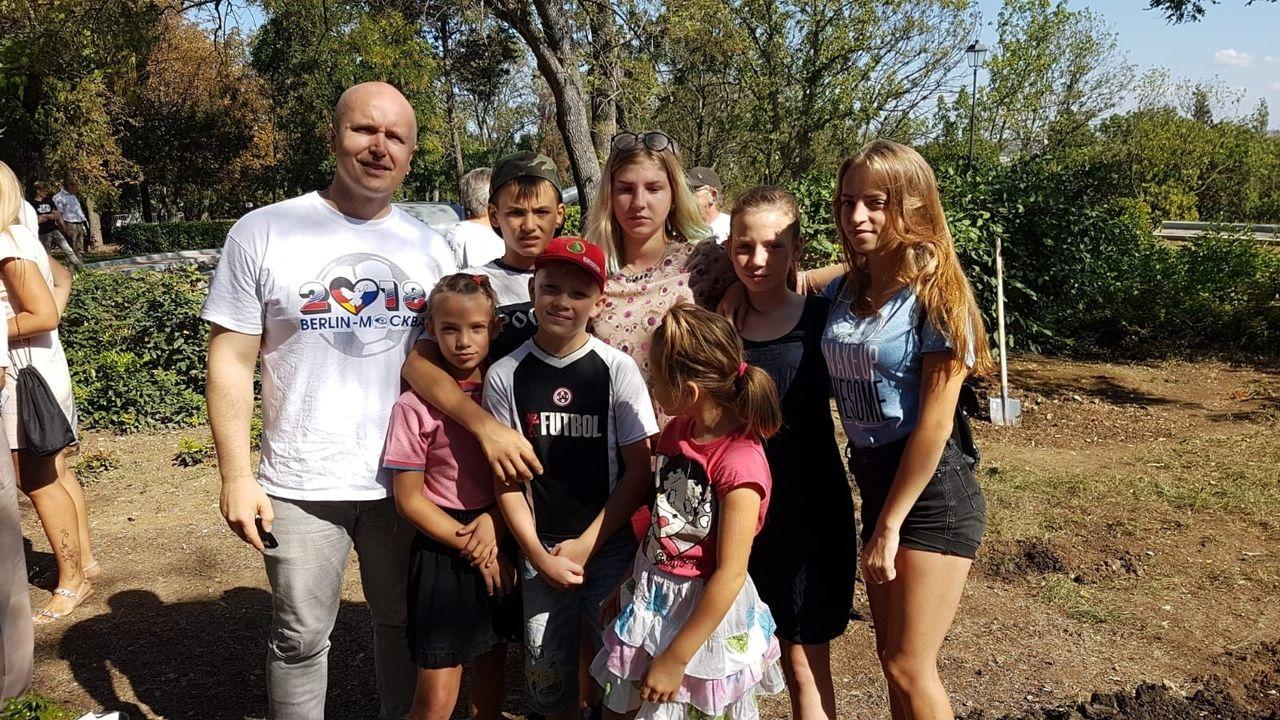 Кедровая роща на Малаховом кургане в Крыму (1).jpg