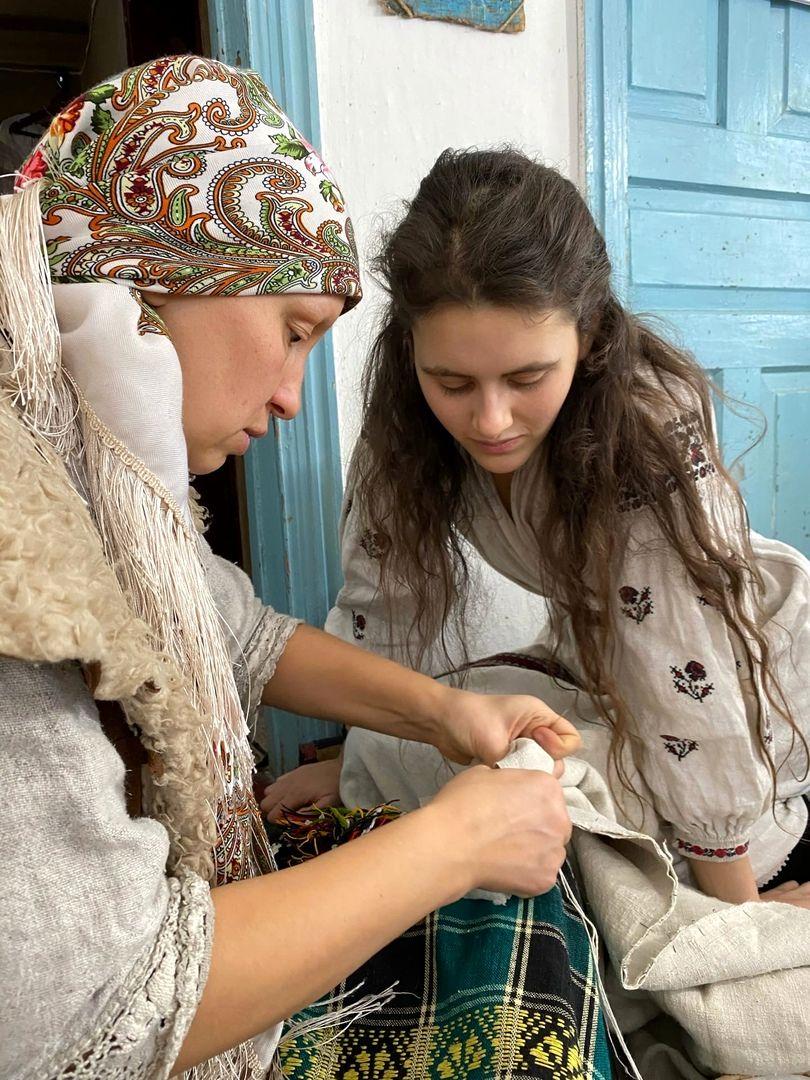Развитие мастерства по пошиву старинной рубахи в РП Украины (5).jpg