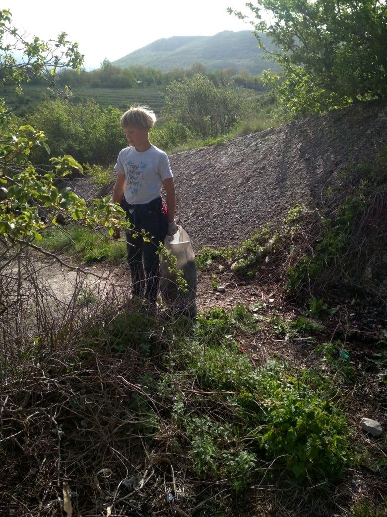 Детские субботники в Краснолесье (2).jpg