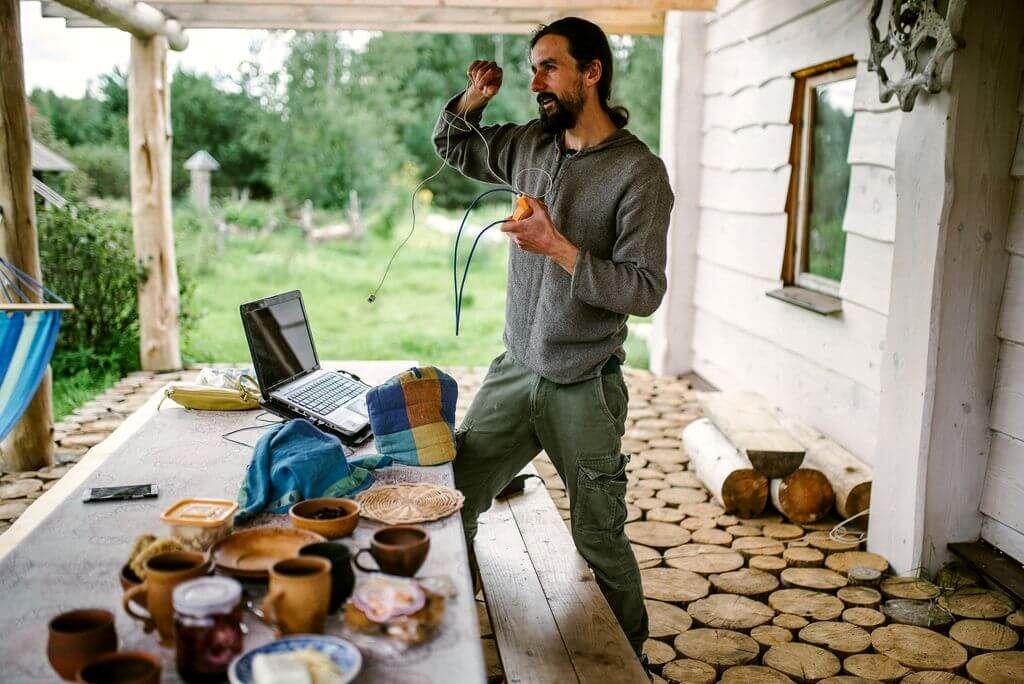 Программист Гоша Новик кодит из деревни под Бегомлем (5).jpg