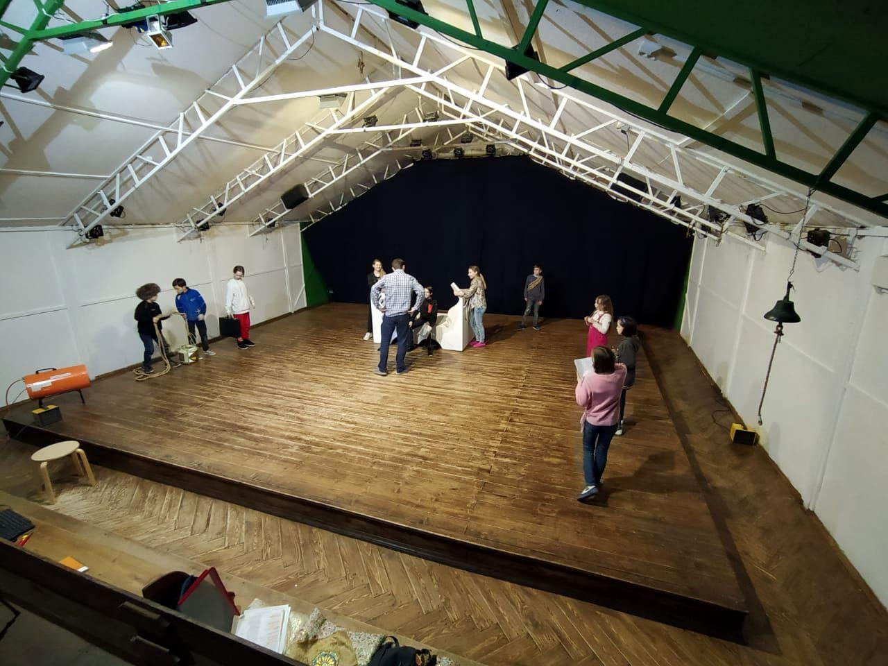 Театр Малахит работает над новыми спектаклями.jpg