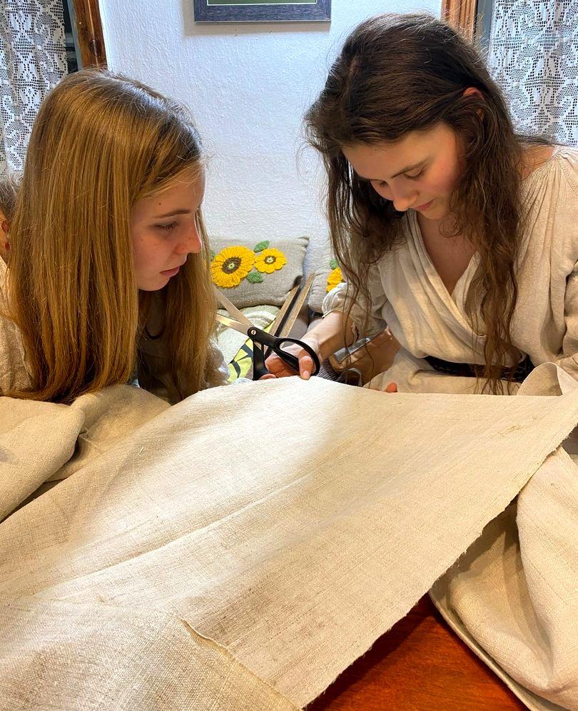 Развитие мастерства по пошиву старинной рубахи в РП Украины (2).jpg