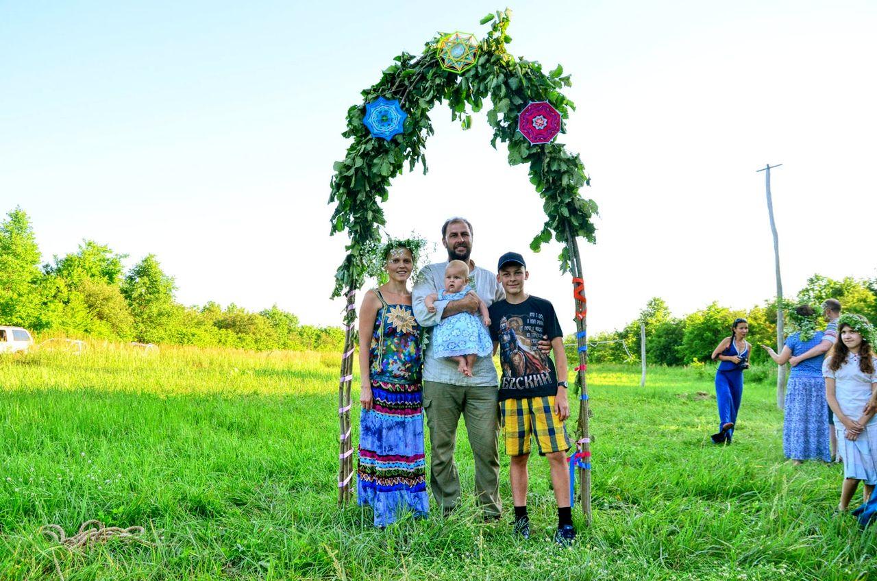 Алёна Бояринова. Счастье наших детей (2).jpg
