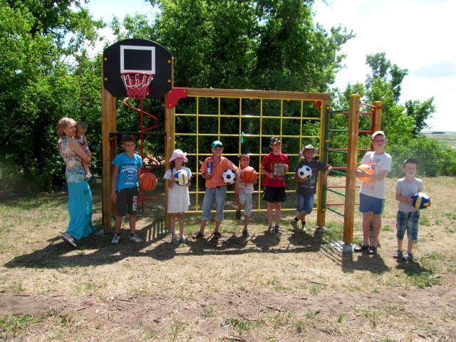 Все мы родом из детства – праздник в ПРП Радужное у Медведицы (5).jpg
